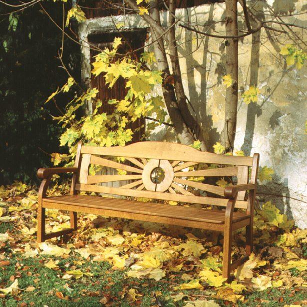 Natürlich, ökologisch, dauerhaft und hochwertig: Gartenmöbel aus heimischem Holz