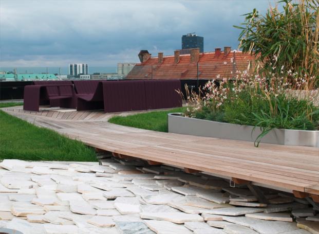 Exklusive Terrassengestaltung mit Holzdielen in Thermoesche, Unterkonstruktion Aluminium