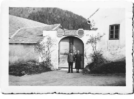 Unsere Firmen-Geschichte: Rupert und Anna Walli in Thernberg anno 1934