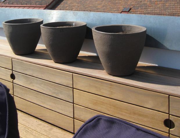 Holzboden und exklusive Gartenanrichte