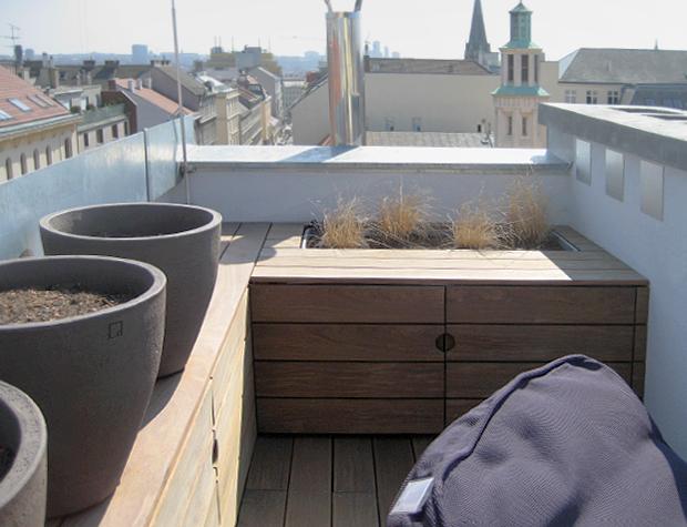 Gartenanrichte nach Maß und Terrassenboden aus Thermoesche