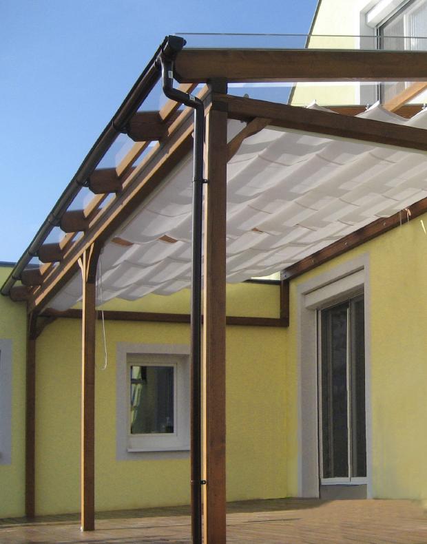 Terrassendach mit Beschattung, Regenrinne und Fallrohr