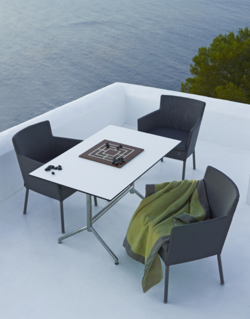 hochwertige edelstahl gartentische nach ma walli. Black Bedroom Furniture Sets. Home Design Ideas