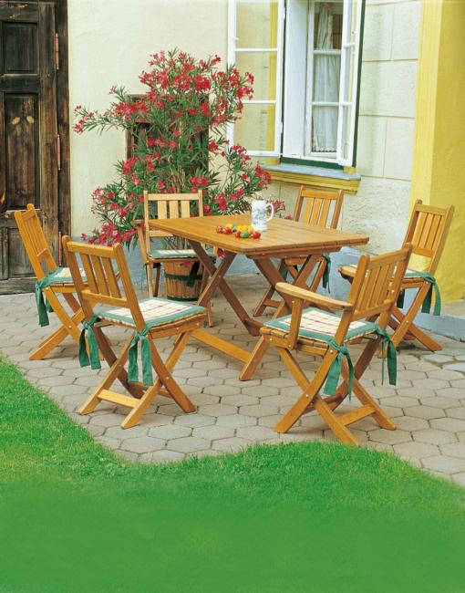Hochwertige Klapsessel und Klapptische in Vollholz vom Tischler für Gast-Garten und Terrasse