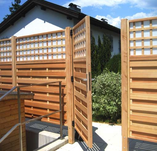 sichtschutz individuelle l sungen in holz exklusiv vom gartentischler. Black Bedroom Furniture Sets. Home Design Ideas