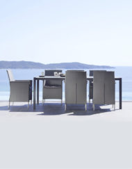 Armstuhl Liberty von Cane-line –zeitlos elegant für Ihre Terrasse