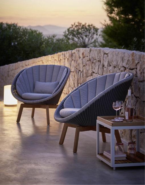 Peacock Lounge Sessel in Cane-line Weave –jetzt bei WALLI Wohnraum Garten in Niederösterreich (Wien Umgebung) kaufen