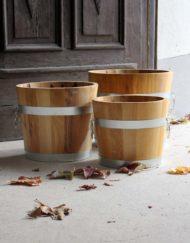 Pflanztöpfe mit runden Griffen in Akazie / Robinie; handwerklich gefertigt