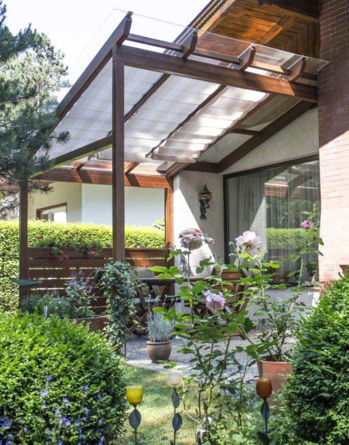 Terrassendach aus Lärche vom Profi: Individuell gestaltet, exakt geplant, präzise umgesetzt