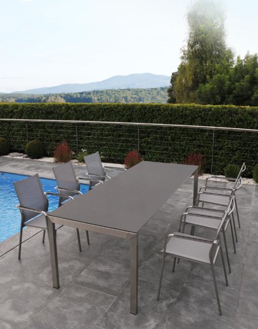 Design-Metalltisch Ventura mit Edelstahl-Gartenstuhl Barcelona |WALLI Gartenmöbel