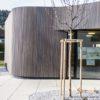 Moderne Holzfassade für die zeitgenössische Architektur –Lärche vorvergraut aus nachhaltiger, heimischer Forstwirtschaft