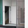Elegant, modern, ökologisch: Holzfassade Lärche grau im Windfang aus heimischer Forstwirtschaft