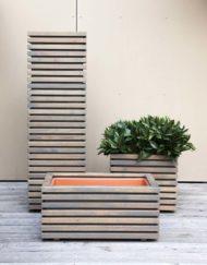 Design in Garten und Terrasse – Moderne Design Pflanzbehälter / Pflanztröge Tavola in Holz (Akazie/Robine) von WALLI Wohnraum Garten