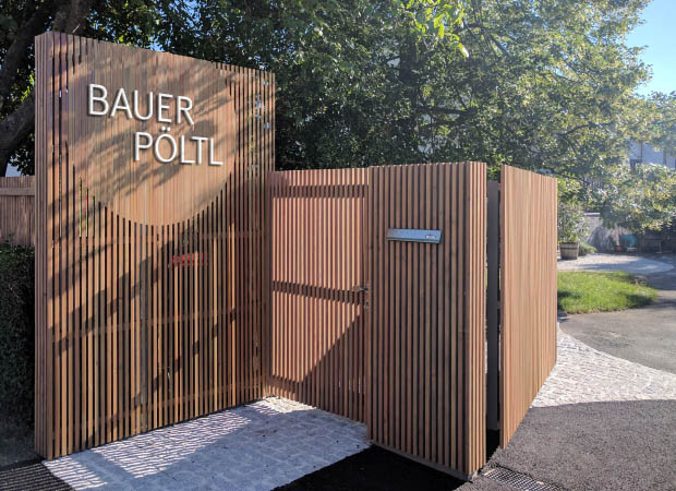 Moderner holzzaun f r bio winzer walli wohnraum garten - Holzzaun modern ...