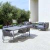 Outdoor-Möbelserie Moments: Stuhl, Sofa und Modulsofa im exklusiven Design