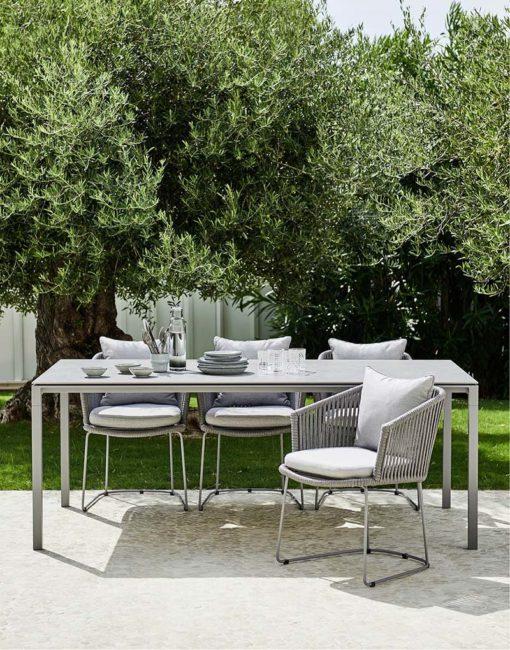 Moderne Ess-Stühle für die Terrasse –Moments Dining Chair von Cane-line bei WALLi