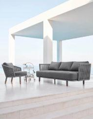 3-Sitzersofa und Lounge Chair Moments –exklusive Gartenmöbel von Cane-line bei WALLI
