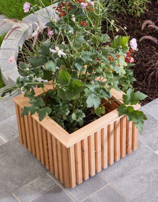 Linea –modern & nachhaltig aus Holz – Pflanzkiste für die Terrasse vom Gartentischler WALLI
