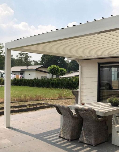 Zeiltos-schönes Lamellendach in Weiß aus Aluminium